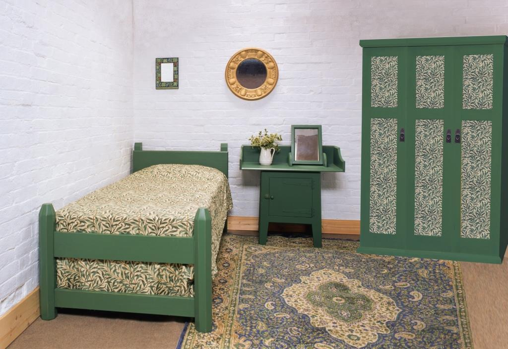 william wm morris co gothic arts crafts movement style the 39 artisan 39 suite green painted bed